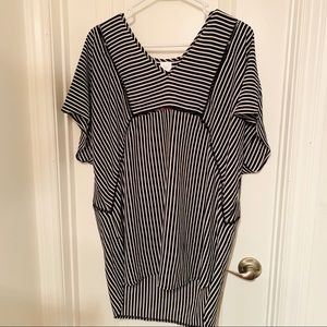 Large ladies top- NWT